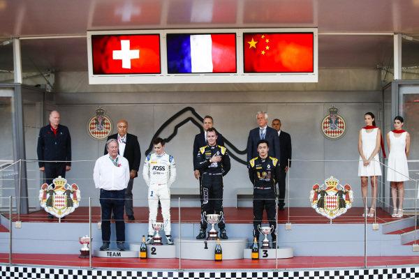 Louis Deletraz (CHE, CARLIN), Race winner Anthoine Hubert (FRA, BWT ARDEN) and Guanyu Zhou (CHN, UNI VIRTUOSI) on the podium