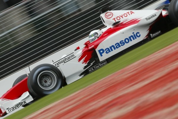 Allan McNish (GBR) Toyota F1Australian Grand Prix Qualifying, Albert Park, Melbourne, 2 March 2002DIGITAL IMAGE