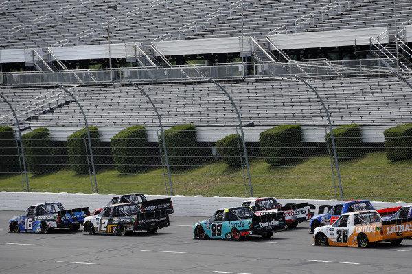 #51: Brandon Jones, Kyle Busch Motorsports, Toyota Tundra DuPont Air Filtration/Menards and #16: Austin Hill, Hattori Racing Enterprises, Toyota Tundra Toyota Tsusho