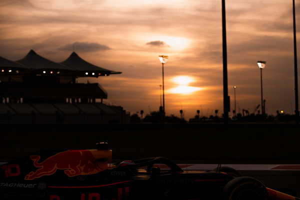 Pierre Gasly, Red Bull Racing RB14, at sunset.