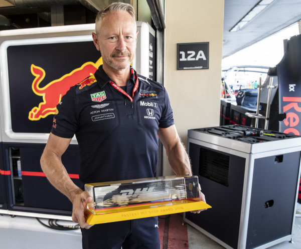 Jonathan Wheatley, Team Manager, Red Bull Racing is presented with the DHL fastest pitstop awards