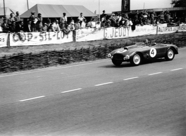 1953 Le Mans 24 hours.Le Mans, France. 13-14 June 1953.Sydney Allard/Philip Fotheringham-Parker (Allard-Cadillac J2R), retired, action.World Copyright: LAT PhotographicRef: 53/53/30A-31