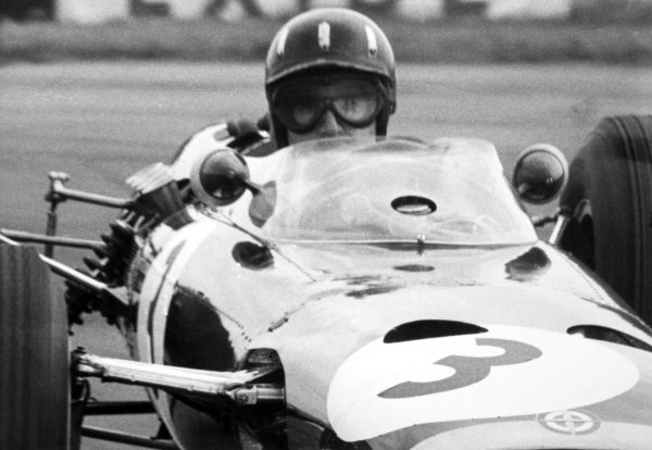 1965 British Grand Prix.Silverstone, Great Britain. 10 July 1965.Graham Hill, BRM P261, 2nd position, action.World Copyright: LAT Photographic