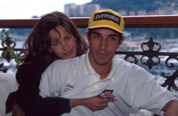 Pedro Diniz at home with his girlfriend.