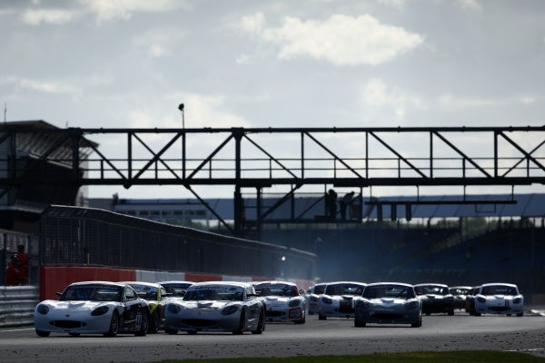 2017 Ginetta GT5 Challenge and GRDC+, Silverstone, 11th-12th June 2017, Start of Race, Max Bird Century Motorsport Ginetta G40 leads. World copyright. JEP/LAT Images