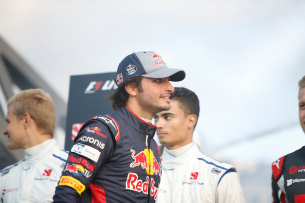 London, United Kingdom.  Wednesday 12 July 2017. Carlos Sainz Jr, Toro Rosso. World Copyright: Joe Portlock/LAT Images  ref: Digital Image _L5R8670
