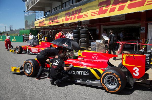 2017 FIA Formula 2 Round 2. Circuit de Catalunya, Barcelona, Spain. Friday 12 May 2017. Louis Deletraz (SUI, Racing Engineering)  Photo: Jed Leicester/FIA Formula 2. ref: Digital Image JL1_9146