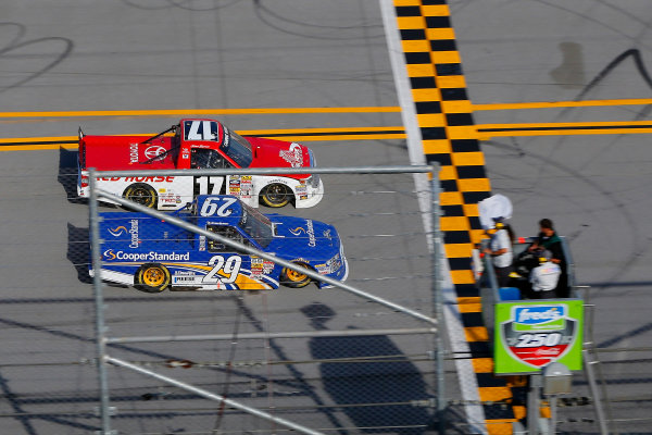 17-18 October, 2014, Talladega, Alabama USA Timothy Peters and Ryan Blaney white flag ? 2014, Russell LaBounty LAT Photo USA