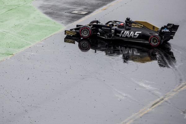 Romain Grosjean, Haas VF-19, spins