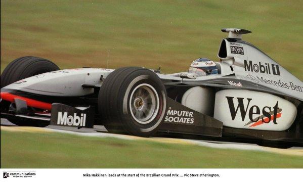 1998 Brazilian Grand Prix.Interlagos, Sao Paulo, Brazil.27-29 March 1998.Mika Hakkinen (McLaren MP4/13 Mercedes-Benz) 1st position.World Copyright - Steve Etherington/LAT Photographic