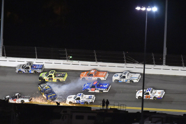 #38: Todd Gilliland, Front Row Motorsports, Ford F-150 Speedco and #4: John Hunter Nemechek, Kyle Busch Motorsports, Toyota Tundra Fire Alarm Services