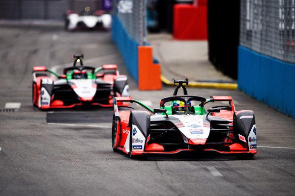 Lucas Di Grassi (BRA), Audi Sport ABT Schaeffler, Audi e-tron FE07, leads Rene Rast (DEU), Audi Sport ABT Schaeffler, Audi e-tron FE07