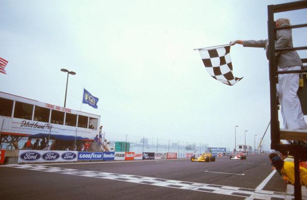 Detroit, Michigan, U.S A.19-21 June 1987.Ayrton Senna (Lotus 99T Honda) 1st position.Ref-87 USA 08.World Copyright - LAT Photographic