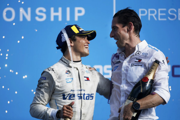 Drivers champion Nyck de Vries (NLD), Mercedes Benz EQ, and Ian James, Team Principal, Mercedes-Benz EQ, celebrate on the podium