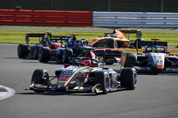 Enzo Fittipaldi (BRA, HWA RACELAB) and David Schumacher (DEU, CHAROUZ RACING SYSTEM)