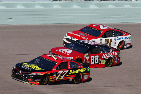 Monster Energy NASCAR Cup Series Ford EcoBoost 400 Homestead-Miami Speedway, Homestead, FL USA Sunday 19 November 2017 Erik Jones, Furniture Row Racing, 5-hour ENERGY Extra Strength Toyota Camry Dale Earnhardt Jr, Hendrick Motorsports, Axalta Chevrolet SS Ryan Blaney, Wood Brothers Racing, Motorcraft/Quick Lane Tire & Auto Center Ford Fusion World Copyright: Matthew T. Thacker LAT Images