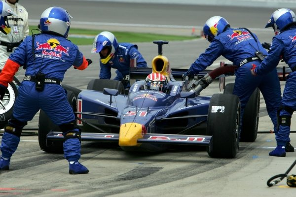 Alex Barron (USA), Red Bull Cheever Racing Dallara Toyota, makes a pit stop in the Argent Mortgage 300.