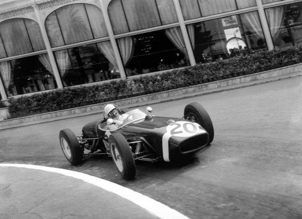 1961 Monaco Grand Prix.Monte Carlo, Monaco. 14 May 1961.Stirling Moss, Lotus 18-Climax, 1st position, action.World Copyright: LAT PhotographicRef: C61985