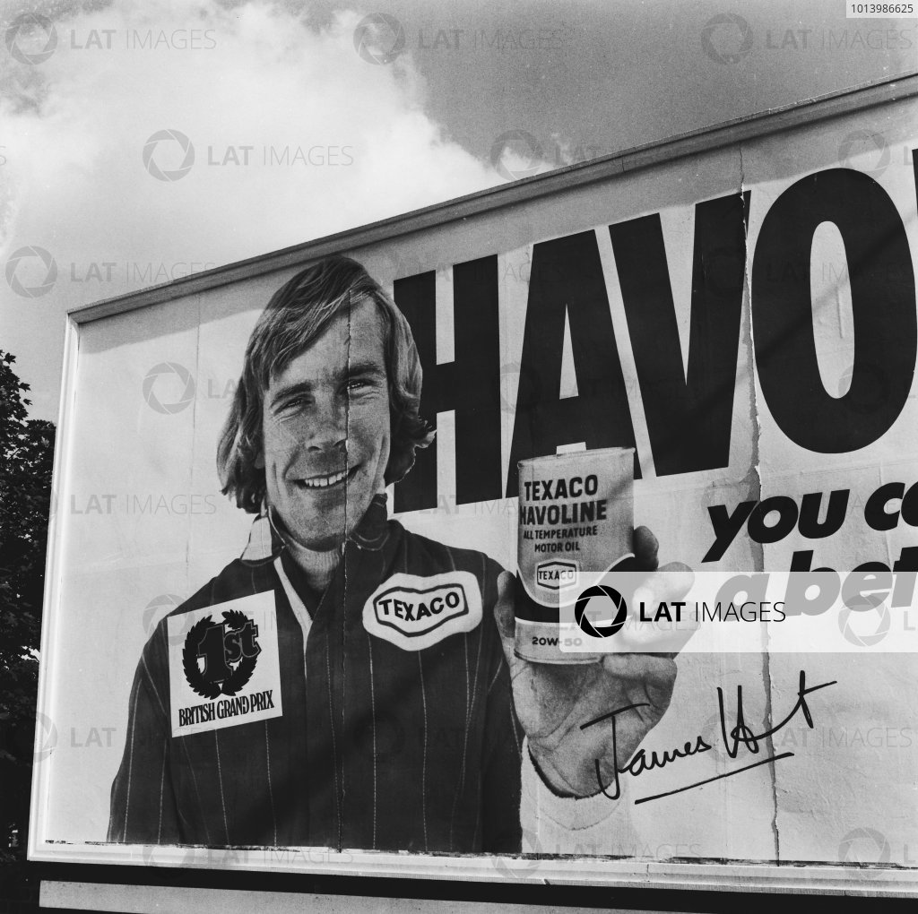 Monza, Italy. 10th - 12th September 1976. A banner outside the track for Texaco and James Hunt, atmosphere. World Copyright: LAT Photographic. Ref: 76 - 5555.
