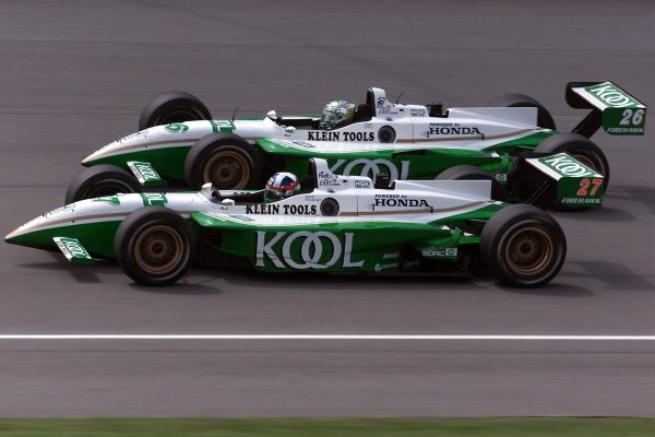 Kool Green team mates Dario Franchitti (GBR) and Paul Tracy (CDN) finished second and seventh respectively. Michigan 500, Brooklyn, Milwaukee, USA, 22 July 2001.