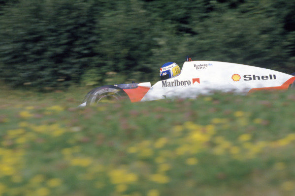 1986 Austrian Grand PrixOsterrichring, Aut 15-17th Aug 1986. RD12Ref: 86 AUT 02World Copyright: LAT Photographic.
