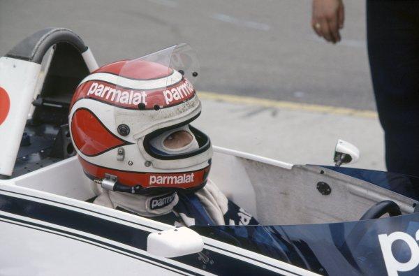 1980 United States Grand Prix.Watkins Glen, USA. 3-5 October 1980.Nelson Piquet (Brabham BT49-Ford Cosworth), retired. Helmet, portrait.World Copyright: LAT PhotographicRef: 35mm transparency 80USA12