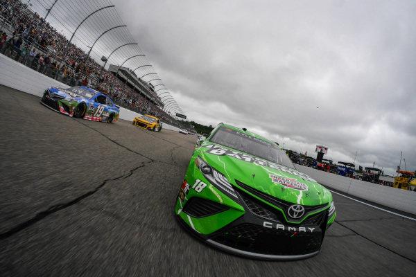 #18: Kyle Busch, Joe Gibbs Racing, Toyota Camry Interstate Batteries, #19: Martin Truex Jr., Joe Gibbs Racing, Toyota Camry Resers Fine Foods #LetsPicnic