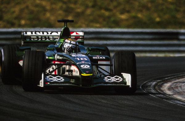 Eddie Irvine, Jaguar R2 Cosworth, gets sideways.