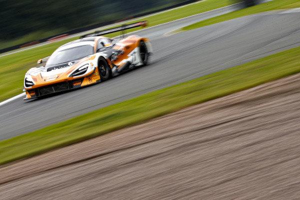 #77 Morgan Tillbrook / Marcus Clutton - Enduro Motorsport McLaren 720S GT3