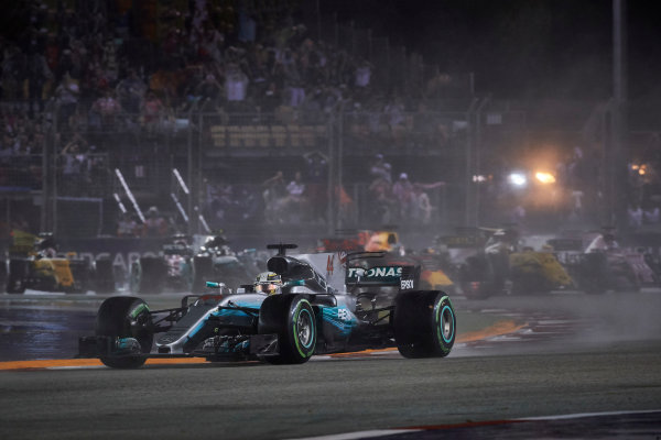 Marina Bay Circuit, Marina Bay, Singapore. Sunday 17 September 2017. Lewis Hamilton, Mercedes F1 W08 EQ Power+.  World Copyright: Steve Etherington/LAT Images  ref: Digital Image SNE18956