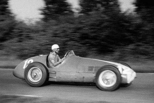 1951 Italian Grand Prix. Monza, Italy. 16 September 1951. Luigi Villoresi (Ferrari 625) in practice. Ref-51/52 #18A. World Copyright - LAT Photographic