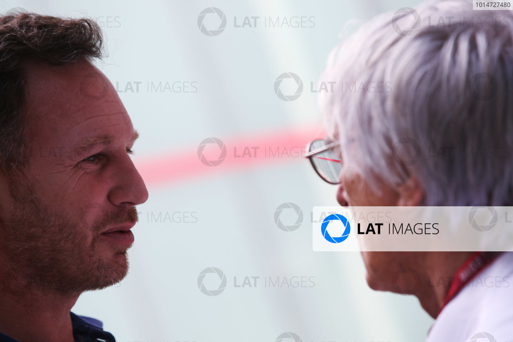 Interlagos, Sao Paulo, Brazil. Thursday 10 November 2016. Christian Horner, Team Principal, Red Bull Racing, talks to Bernie Ecclestone, CEO and President, FOM.  World Copyright: Coates/LAT Photographic ref: Digital Image DJ5R2097