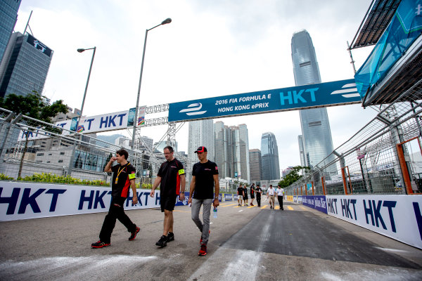 2016/2017 FIA Formula E Championship. Hong Kong ePrix, Hong Kong, China. Saturday 8 October 2016. Stephane Sarrazin (FRA), Venturi, Spark-Venturi, Venturi VM200-FE-02.  Photo: Zak Mauger/LAT/Formula E ref: Digital Image _X0W1365