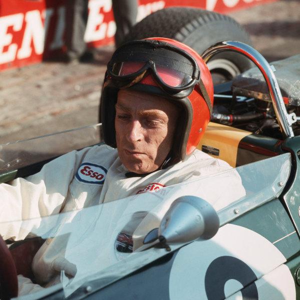 1966 British Grand Prix. Brands Hatch, England. 14-16 July 1966. Peter Arundell (Lotus 33 BRM). Ref-3/2271. World Copyright - LAT Photographic   www.latphoto.co.uk +44(0)20 8267 3000