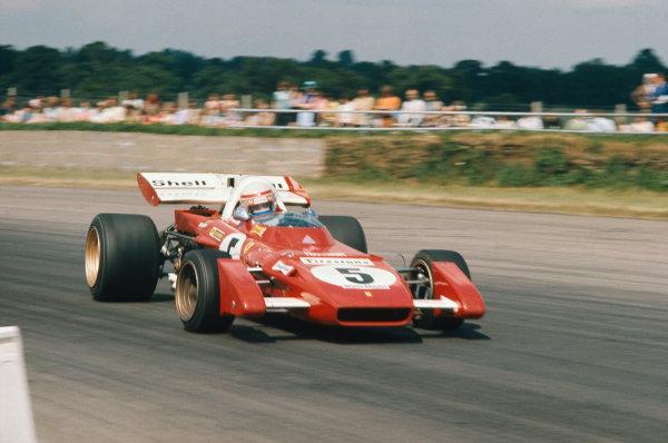 1971 British Grand Prix.  Silverstone, England. 15-17th July 1971.  Clay Regazzoni, Ferrari 312B2, catches a slide.  Ref: 71GB09. World Copyright: LAT Photographic
