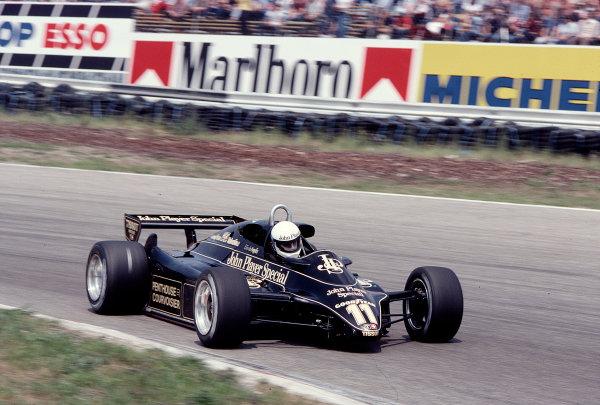 1982 Dutch Grand Prix.Zandvoort, Holland.1-3 July 1982.Elio de Angelis (Lotus 91 Ford).Ref-82 HOL 17.World Copyright - LAT Photographic