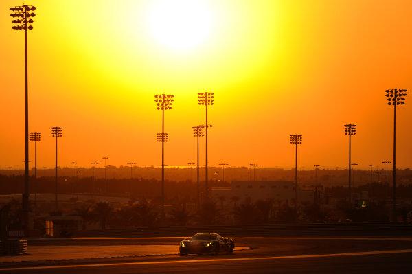 2017 FIA World Endurance Championship, Bahrain Internaternal Circuit, Bahrain. 16th-18th November 2017, #61 Clearwater Racing Ferrari 488 GTE: Weng Sun Mok, Keita Sawa, Matt Griffin  World Copyright. JEP/LAT Images