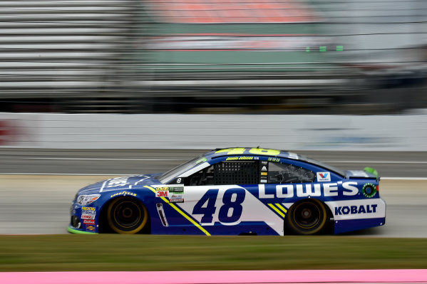 Monster Energy NASCAR Cup Series First Data 500 Martinsville Speedway, Martinsville VA USA Saturday 28 October 2017 Jimmie Johnson, Hendrick Motorsports, Lowe's Chevrolet SS World Copyright: Scott R LePage LAT Images ref: Digital Image lepage-171028-mart-3602