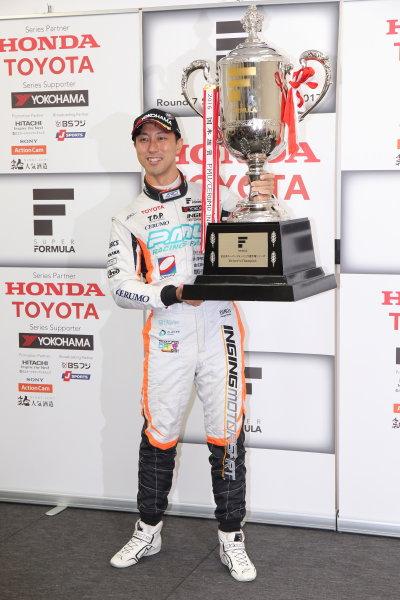 2017 Japanese Super Formula. Suzuka, Japan. 21st - 22nd October 2017. Rd 7. Cancelled race due to Typhoon. 2017 Driver?s Champion Hiroaki Ishiura ( #2 P.MU/CERUMO ? INGING SF14 ) portrait World Copyright: Yasushi Ishihara / LAT Images. Ref: 2017_SF_Rd7_031