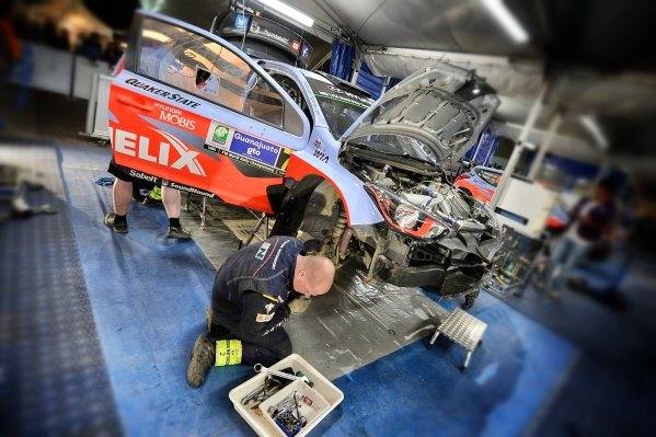 Hyundai i20 WRC in Service at World Rally Championship, Rd3, Rally Mexico, Day Two, Leon, Mexico, 7 March 2015.