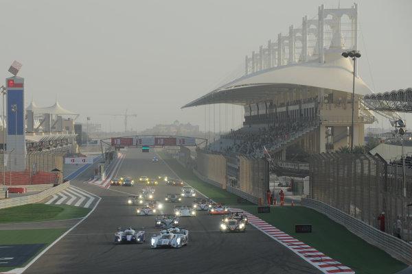 Bahrain, 27th-29th September 2012,Start, Allan McNish/Tom Kristensen Audi Sport Team Joest Audi R18 E-Tron Quattro leadsWorld copyright: Ebrey/LAT Photographic