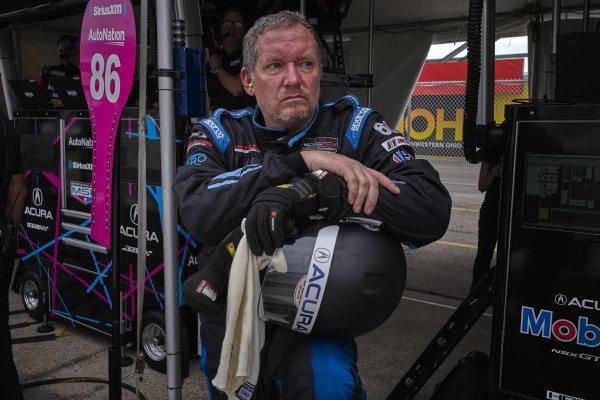 #86 Meyer Shank Racing w/Curb-Agajanian Acura NSX GT3, GTD: Mario Farnbacher, Matt McMurry, Shinya Michimi, Jules Gounon, crew