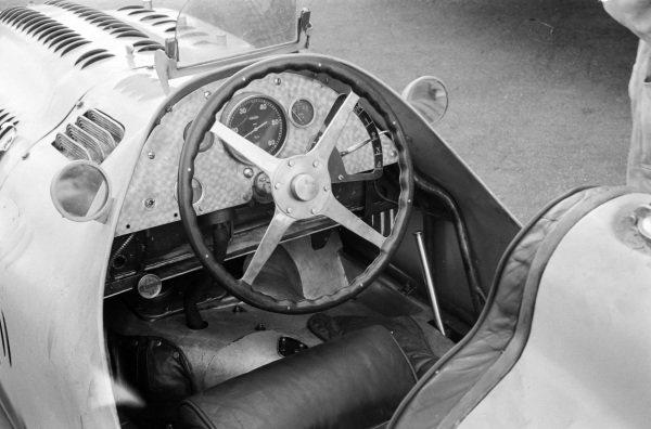 The cockpit of Johnny Claes, Talbot-Lago T26C-DA.