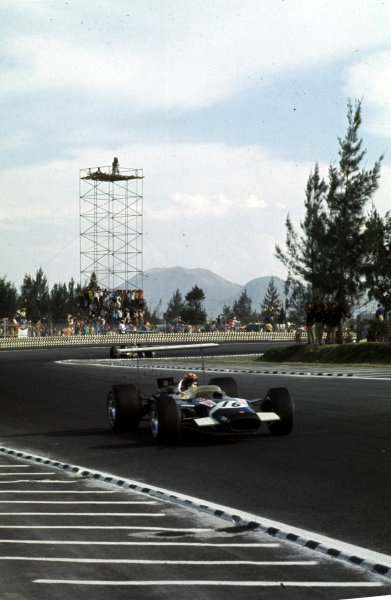 1968 Mexican Grand Prix.Mexico City, Mexico.1-3 November 1968.Jo Siffert (Lotus 49B Ford) 6th position.Ref-68 MEX 18.World Copyright - LAT Photographic
