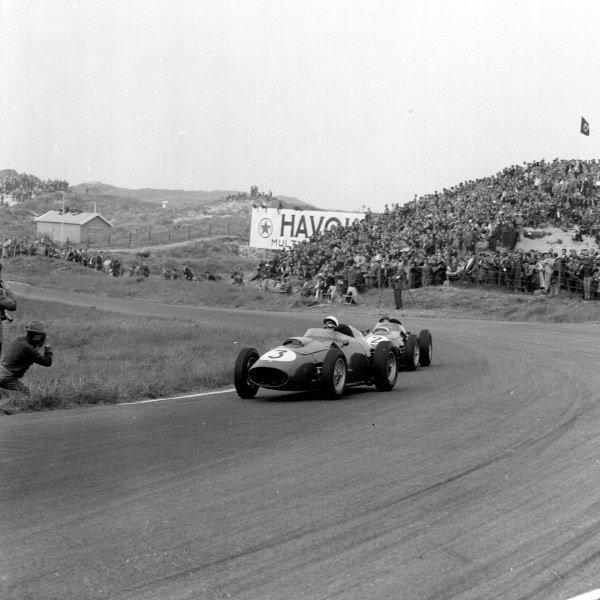 1959 Dutch Grand Prix.Zandvoort, Holland.29-31 May 1959.Phil Hill leads Tony Brooks (both Ferrari Dino 246).Ref-4142.World Copyright - LAT Photographic