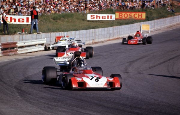 1972 South African Grand Prix. Kyalami, South Africa. 2-4 March 1972. Andrea de Adamich (Surtees TS9B Ford) leads Clay Regazzoni (Ferrari 312B2) and Ronnie Peterson (March 721 Ford). Peterson finished in 5th position. Ref-72 SA 34. World Copyright - LAT Photographic