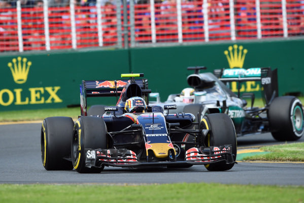 Carlos Sainz jr (ESP) Scuderia Toro Rosso STR11 at Formula One World Championship, Rd1, Australian Grand Prix, Race, Albert Park, Melbourne, Australia, Sunday 20 March 2016.