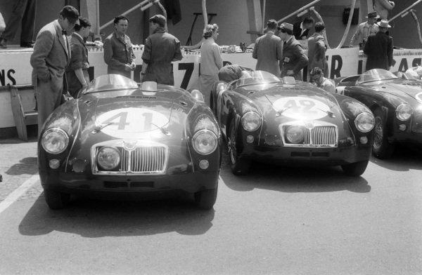 Ken Miles / Johnny Lockett's (#41) and Dick Jacobs / Joe Flynn (#42) MG Cars, MG EX 182s in the pits.