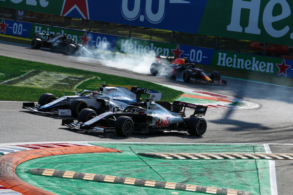 Romain Grosjean, Haas VF-20, battles with George Russell, Williams FW43