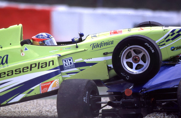 International Formula 3000 Championship Nurburgring, Germany. 19th - 20th May 2000 Fernando Alonso parks on top of Ricardo Mauricio after being forced of the track by pole sitter David Saelens World - Bellanca/LAT Photographic